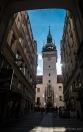 Altes Rathaus mit dem schiefen Türmchen des Portals - Brno