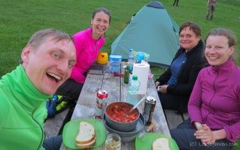 Monika und Renata auf dem Campingplatz am Slowakischen Paradies
