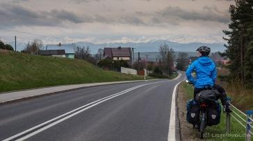 Wir verlassen die Beskiden und staunen über die Bergriesen der Hohen Tatra am Horizont.