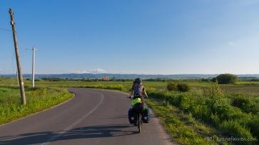 wenig Verkehr, gute Straßen - auf dem Weg zur Unterkunft in Boghis