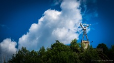Mensch siegt über Naturgewalt! Monument an der riesigen Staumauer des Lacul Vidraru