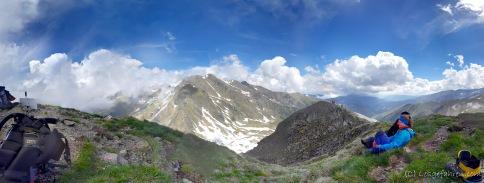 Bergpanorama am Serbota-Gipfel