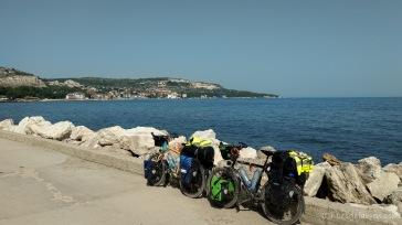 Blick zurück nach Balchik. Was für ein Glück, dass es hier so eine tolle Küstenstraße gibt -Schwarzmeerküste, Bulgarien