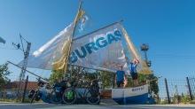 Dies ist wohl das einzige Boot, auf welches wir drauf dürfen. Doch das bringt uns nicht sonderlich weit... - Burgas, Bulgarien