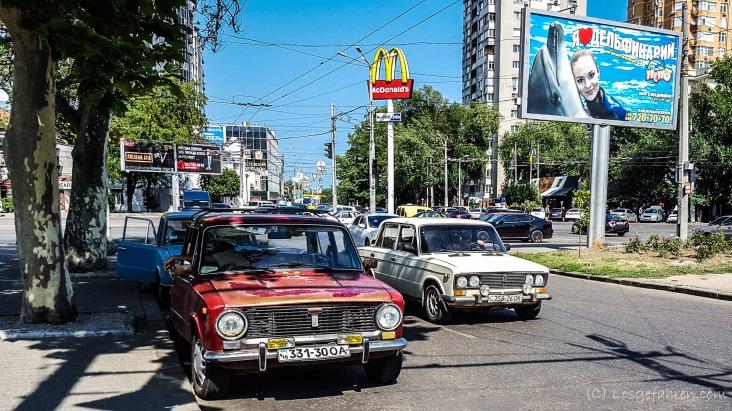 Ein kurzer Blick in den Straßenverkehr... - Odessa, Ukraine