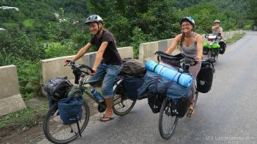 die drei Franzosen sind auch schon fast ein Jahr unterwegs. Endlich mal Leute mit normalem Gepäck :-)