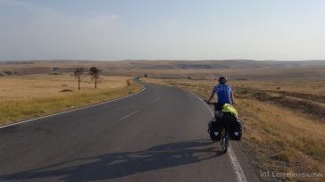 Faszinierende, aber sehr karges Steppenland auf dem Weg nach Aserbaidschan