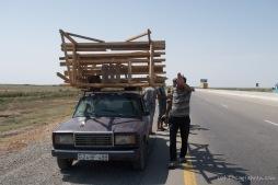 Transport von Waren und Gütern... hier - ein Melonenstand