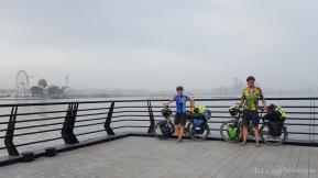 Ankunftsbild in Baku - Stadt im Dunst