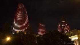 Baku bei Nacht - Flame-Towers