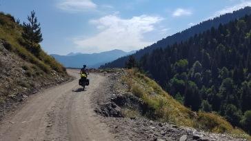 er begleitet uns von nun an durchs Gebirge - immer einen Schritt voraus