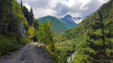 Auf dem Weg zum Zagaro-Pass - der erste Berg über 4000 m zeigt sich,