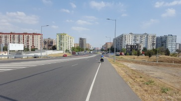 Einfahrt nach Rustavi. Unsere Erwartung einer historischen Stadt zerschlagen sich schnell.
