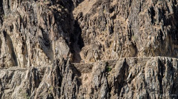 Afghanischer Pamirhighway. Abenteuerlich und fast schon halsbrecherisch angelegt. Sehr spektakulär!