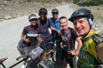 Treffen mit Isabell und Freund aus Deutschland, sowie Gabin aus Frankreich auf dem Pamirhighway