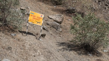 Warntafel wegen der Landminen.