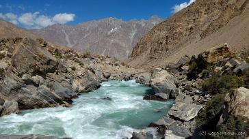 Wilder Ghund-Fluss