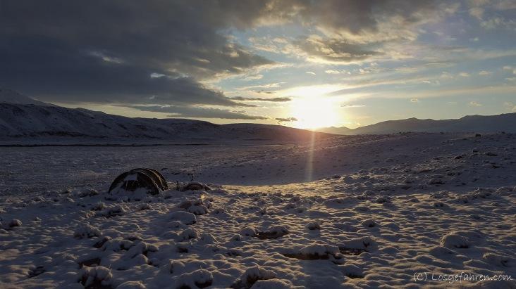 Sonnenaufgang über Winterlandschaft
