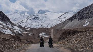Auf dem Weg zum Karakul-See (Foto: Kilian Hermes)