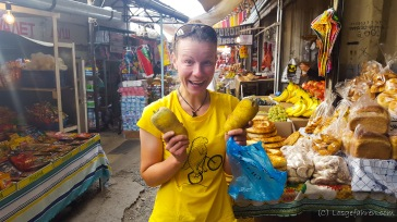 Proviantsuche auf dem Markt in Osh