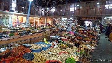 Nüsse, Nüsse und nochmals Nüsse auf dem Markt in Jalal-Abad