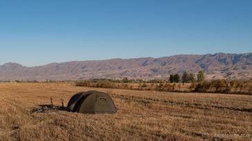Zelten mit Blick auf Kasachstan.
