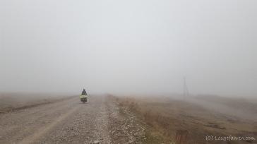 Kasachstan empfängt und herzlich mit Eiswind und Nebel