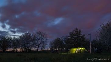 ein schönes Plätzchen für die Nacht findet sich auch mit einem Zelt dieser Größe immer... (Ost-Tschechien)
