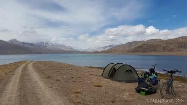 am Ufer des Yashilkul (Tadschikistan)